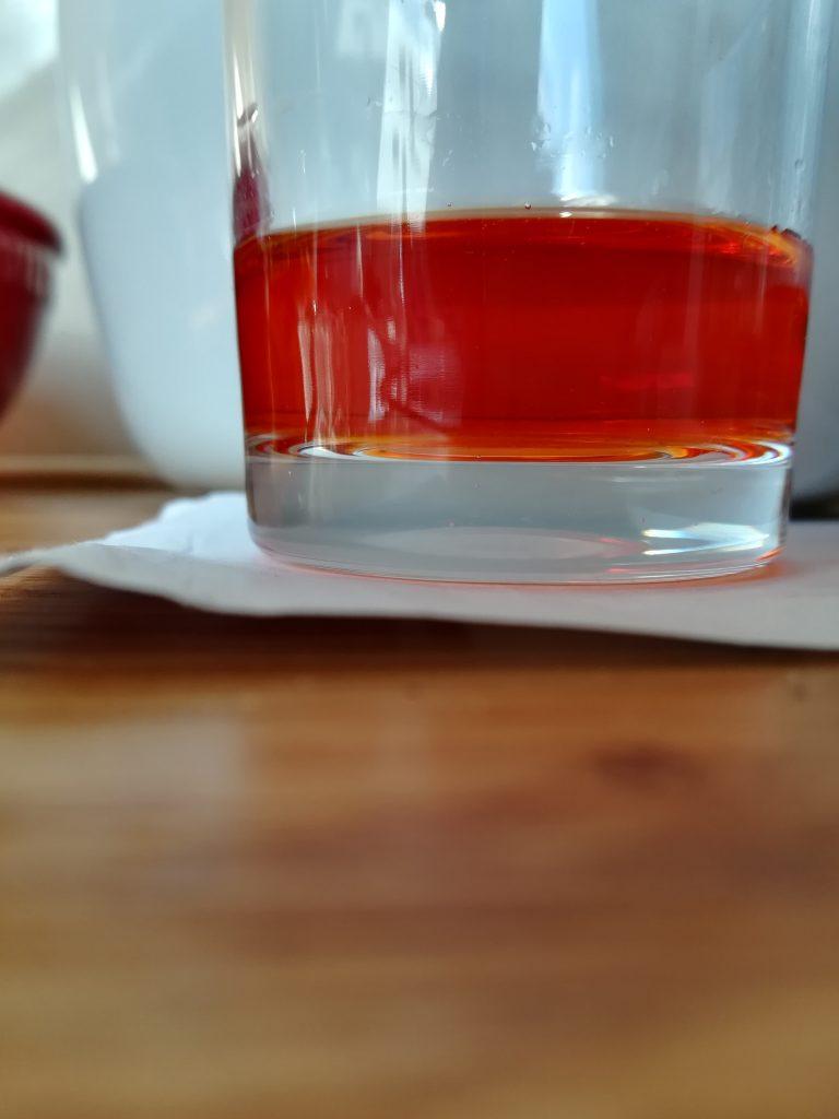 ostereier eier natürlich färben zwiebelschalen mate eier färben natürlich zwiebel rote beete rote bete