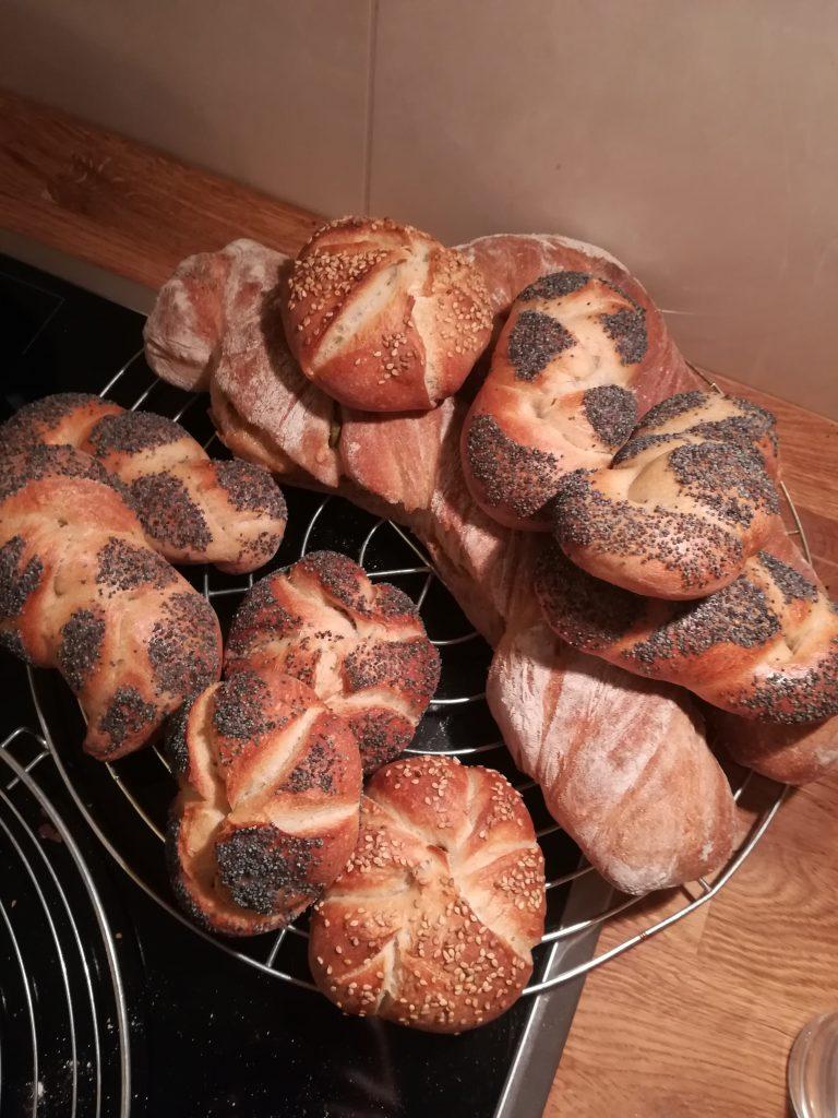 Brot backen, Brötchen, Hefe, Gebäck, Backstein, Brot, Handsemmeln