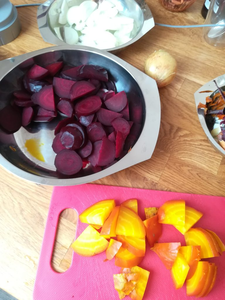 Rote Beete, rote Bete, gelbe Beete, gelbe Bete, Einmachen, Einwecken, Essig, süß sauer, Einkochen, haltbar machen, Vorrat, vegetarisch, vegan
